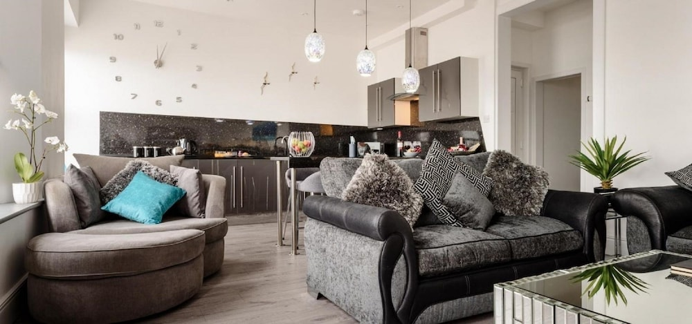 Sandybanks - Stylish Apartment