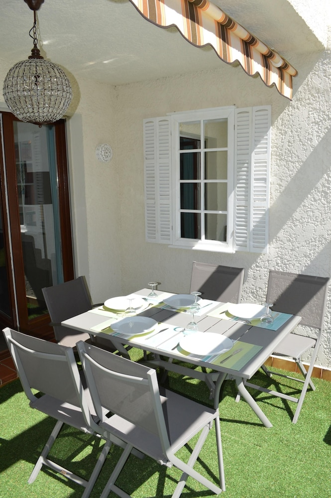 Studio in Bandol, With Pool Access and Furnished Terrace - 300 m From