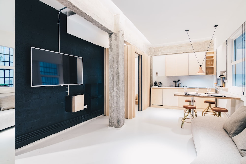 Kaia Apartment by People Rentals