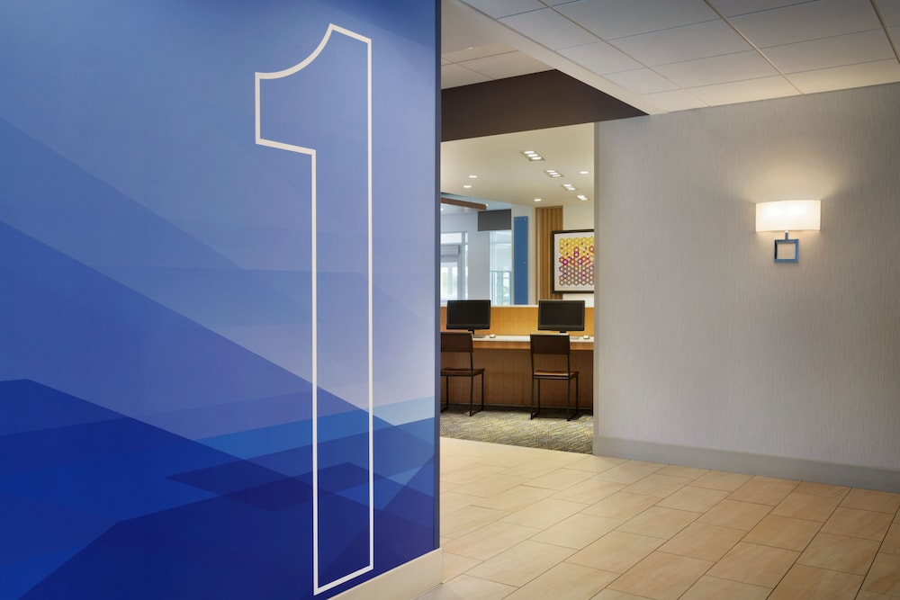 Holiday Inn Express And Suites Middletown