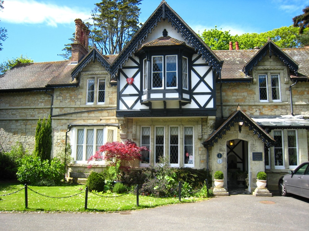 Rylstone Manor