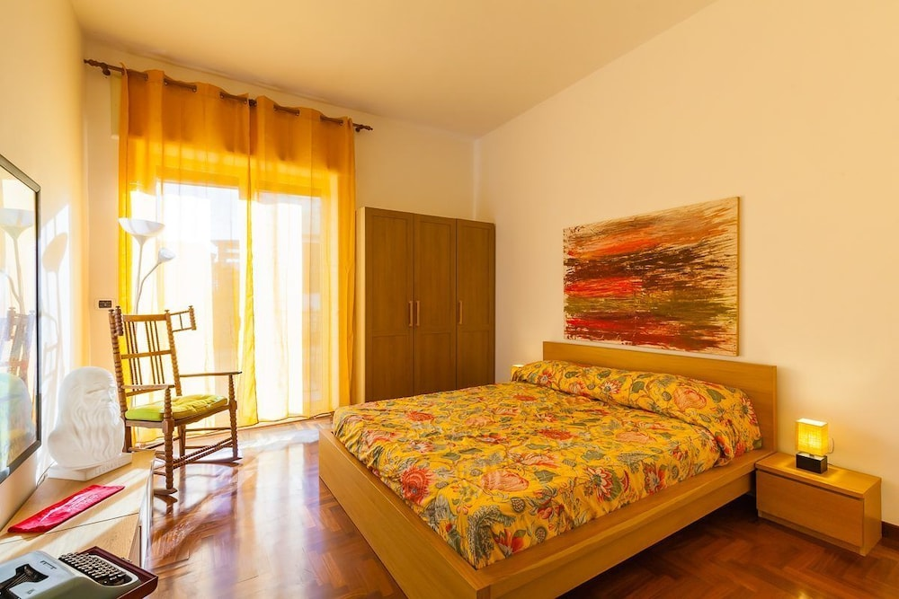 Large Apartment in the Heart of Chiaia