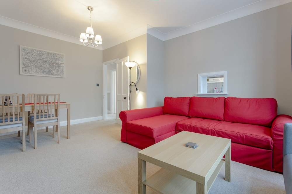 Large Family Apartment in Peaceful Area