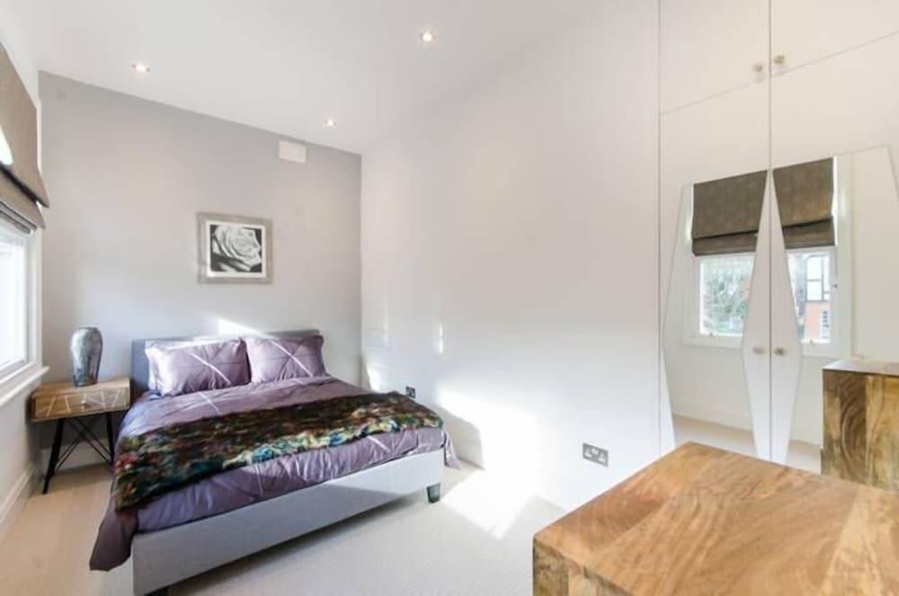 Brondsbury Apartments