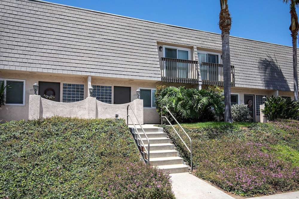 Valley 12132 - 2 Br Townhouse