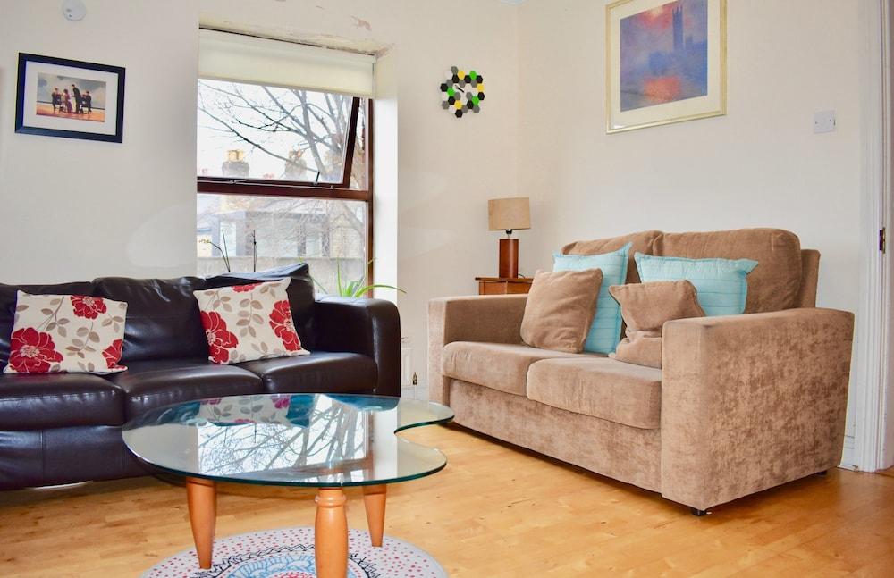 Bright 3 Bedroom House in Central Dublin