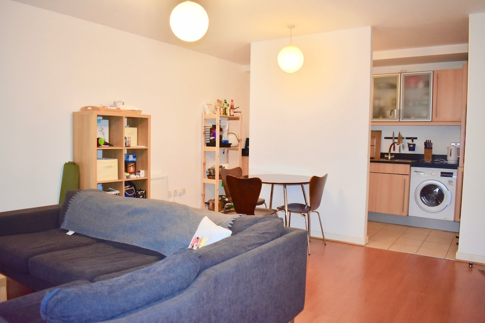 Cosy 1 Bedroom Apartment In Heart Of City Centre