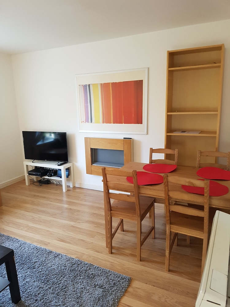 Livingston Contract & Business Apartment
