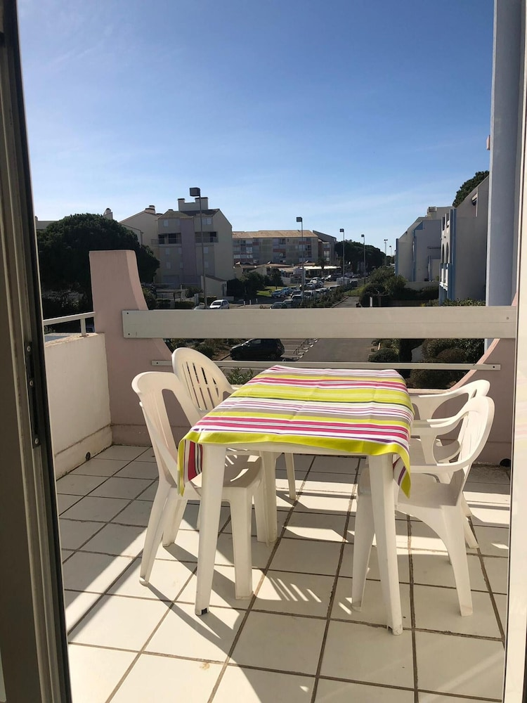 Apartment With 2 Bedrooms in Le Grau-du-roi, With Wonderful City View,