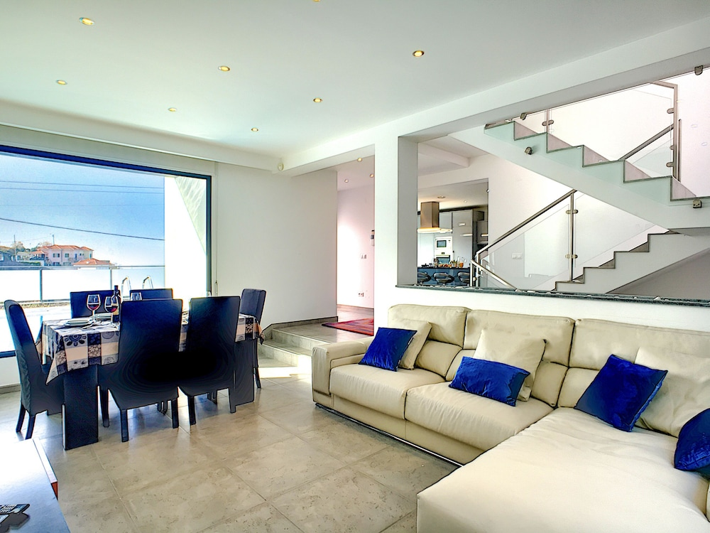 Villa Mar do Norte by MHM