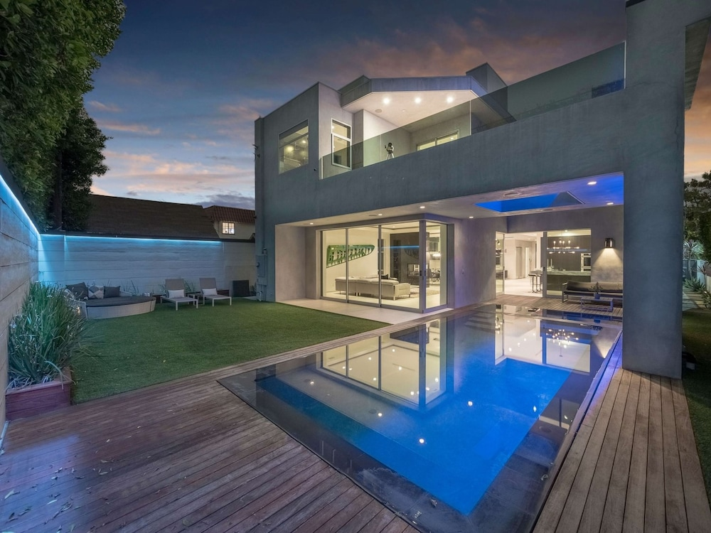 Villa Ever