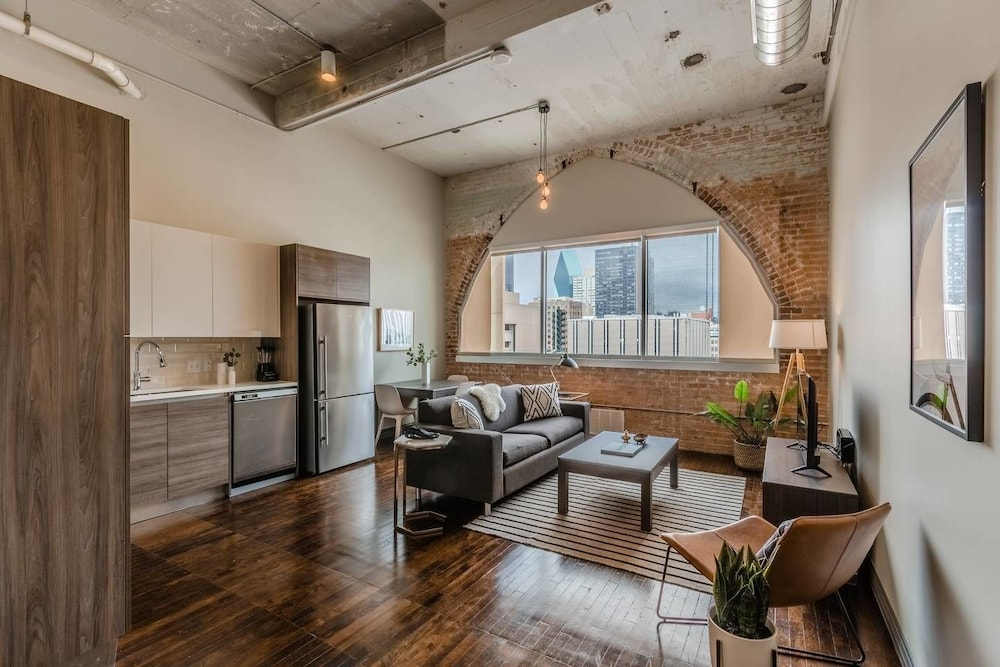 Homey 1BR Unit With Downtown Dallas Views