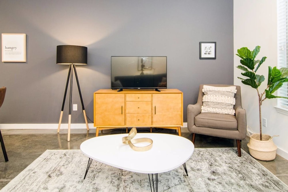 Spacious 1bdrm Apartment in the Heart of Memphis