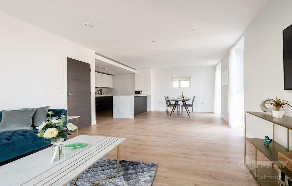 Platinum Apartment near Hammersmith