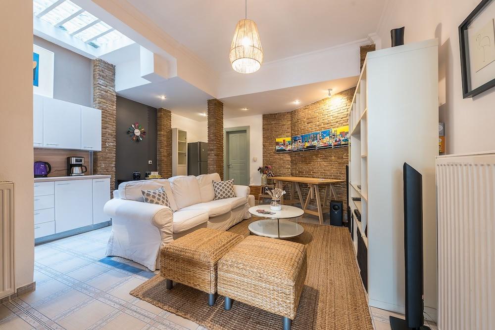 Elegant Kerameikos Apartment