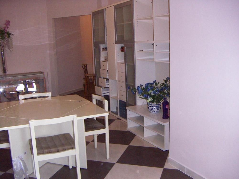 Apartment With 2 Bedrooms in Roma, With Balcony - 10 km From the Beach