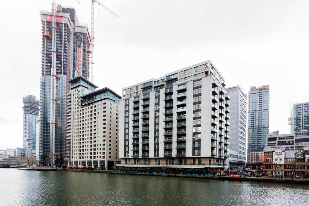 OYO Home Canary Wharf Residences