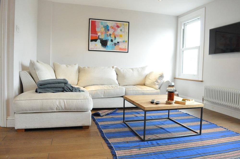 Fantastic 1 Bedroom Flat in Heart of Brixton