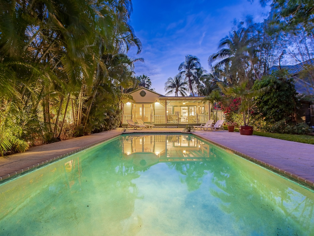Tropical Oasis - 3 Br Home