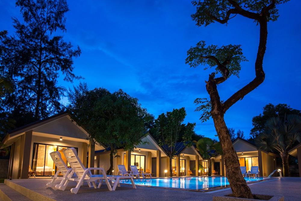 Light Khaolak Resort