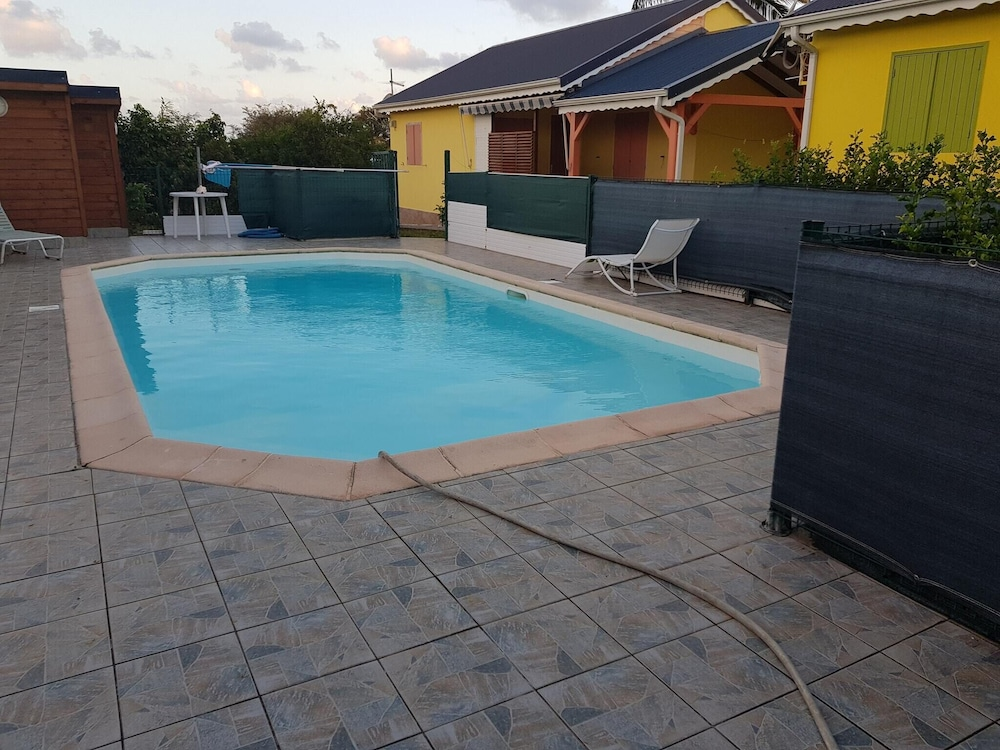 House With one Bedroom in Saint-françois, With Pool Access, Enclosed G