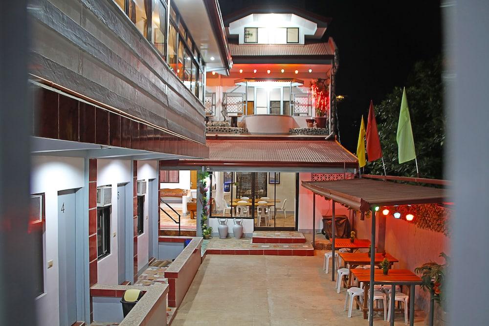 Mario's Travellers Inn - Hostel
