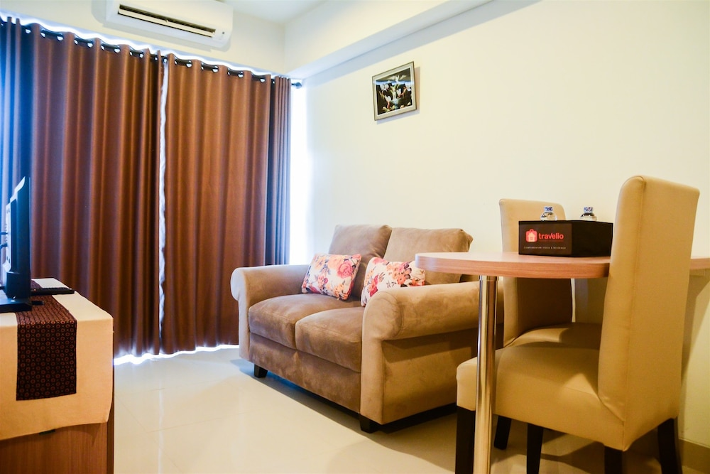 Cozy 1BR H Residence Apartment near MT Haryono