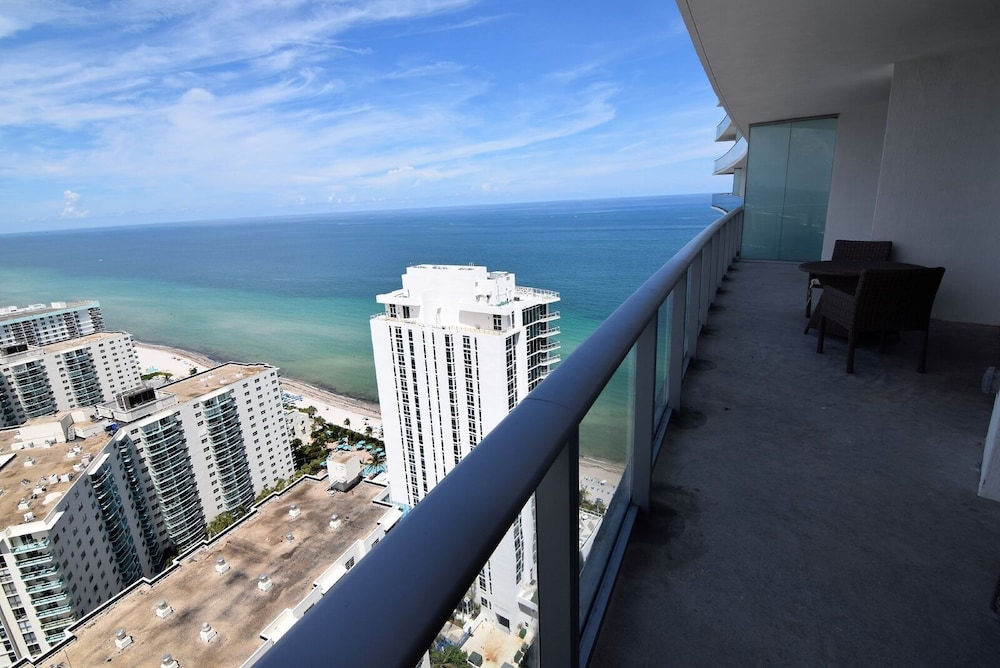 Hyde-1508 / Incredible Ocean View, 2 Bed 2 Bath