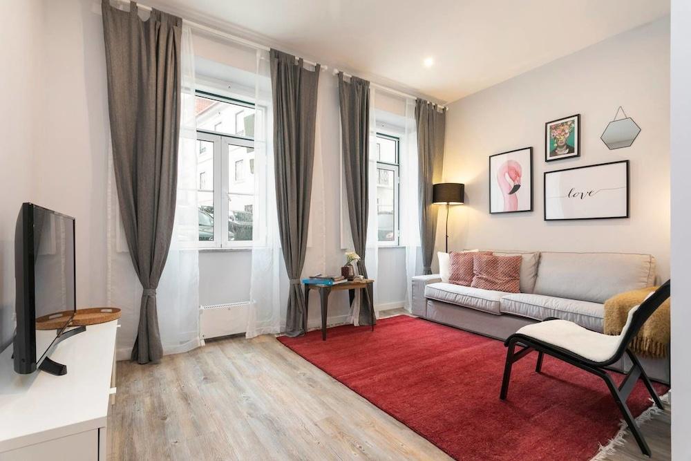 Modern 2bedroom Apartment in Estrela