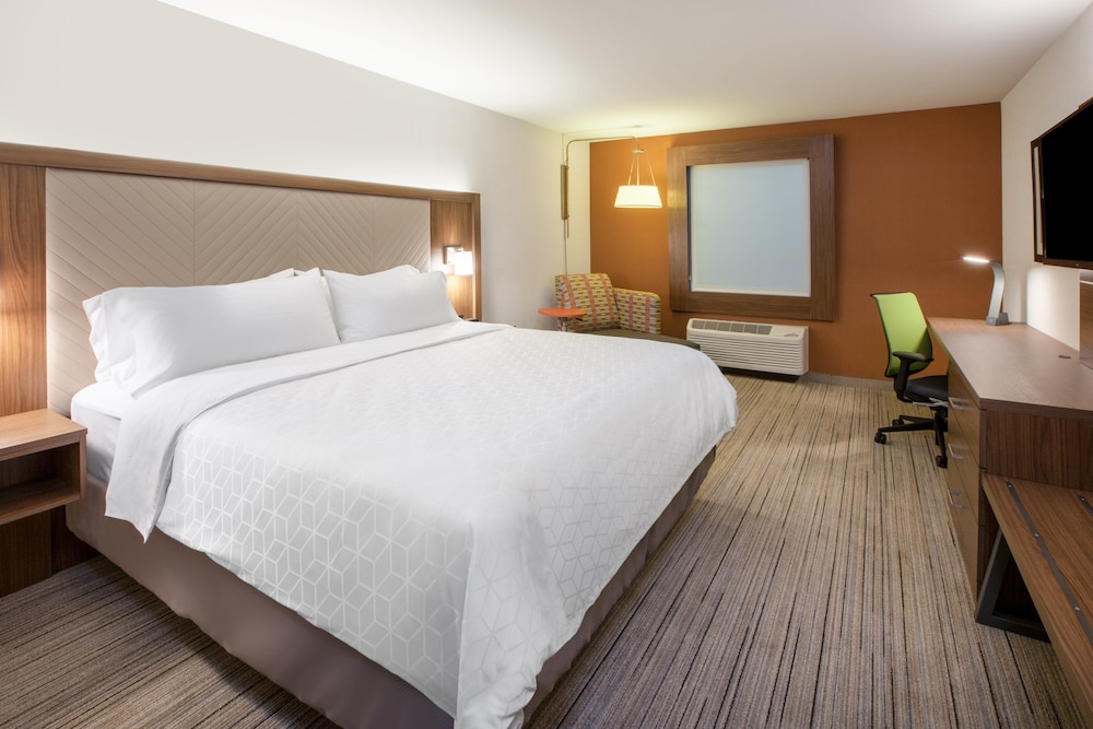 Holiday Inn Express & Suites Ottawa