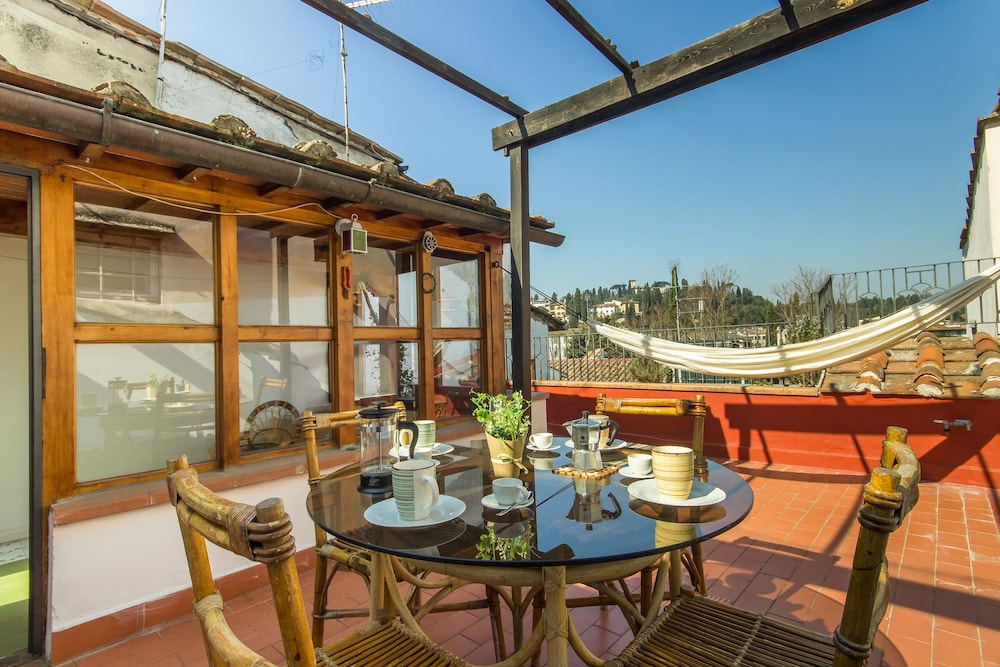 Glida - Spacious and welcoming apartment with large terrace