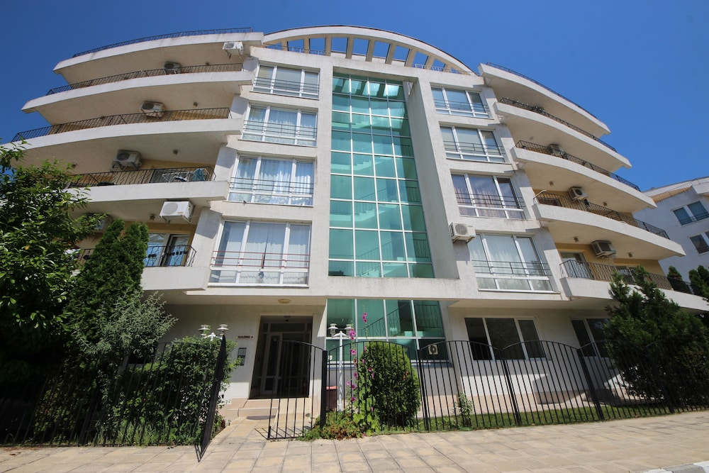 Menada Apartments in Azzuro Hotel