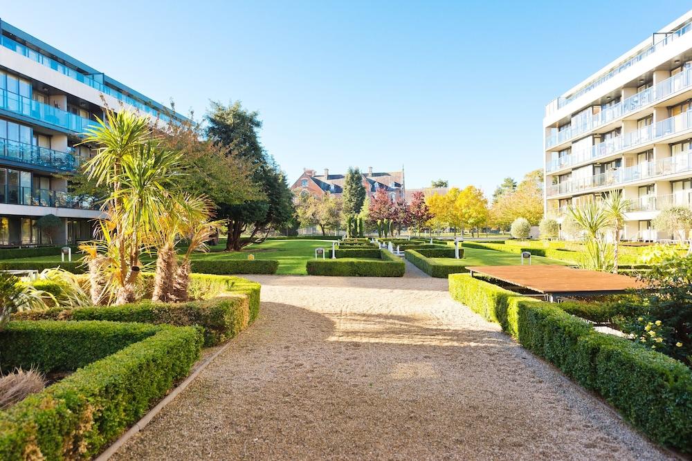 Sweet Inn - Elegant Bloomfield Garden