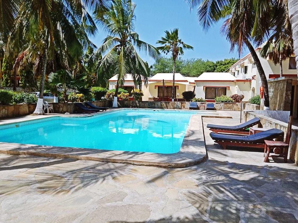 Glory Holiday Resort