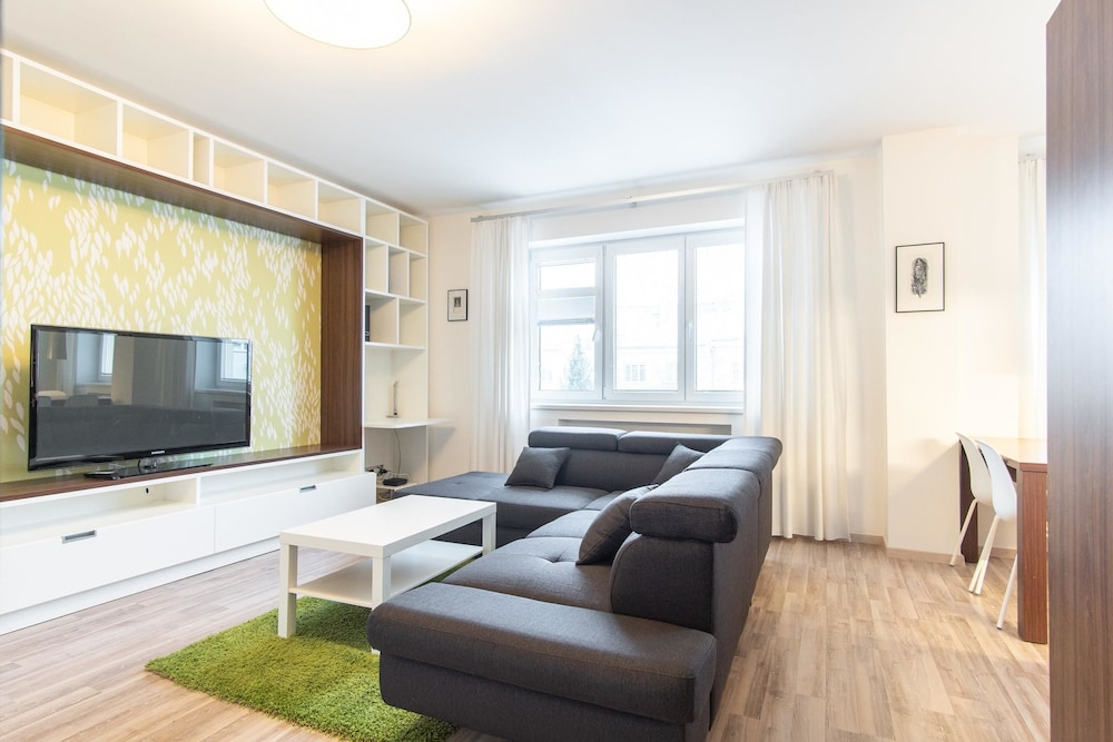 Modern Apartment in Quiet and Hipster Area by easyBNB