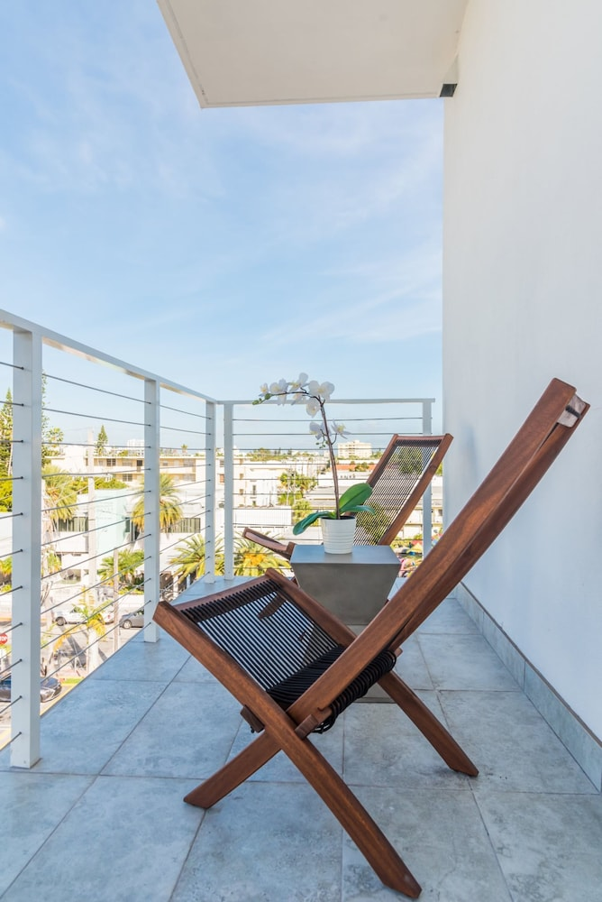 VHC Luxury Apartments 538-502