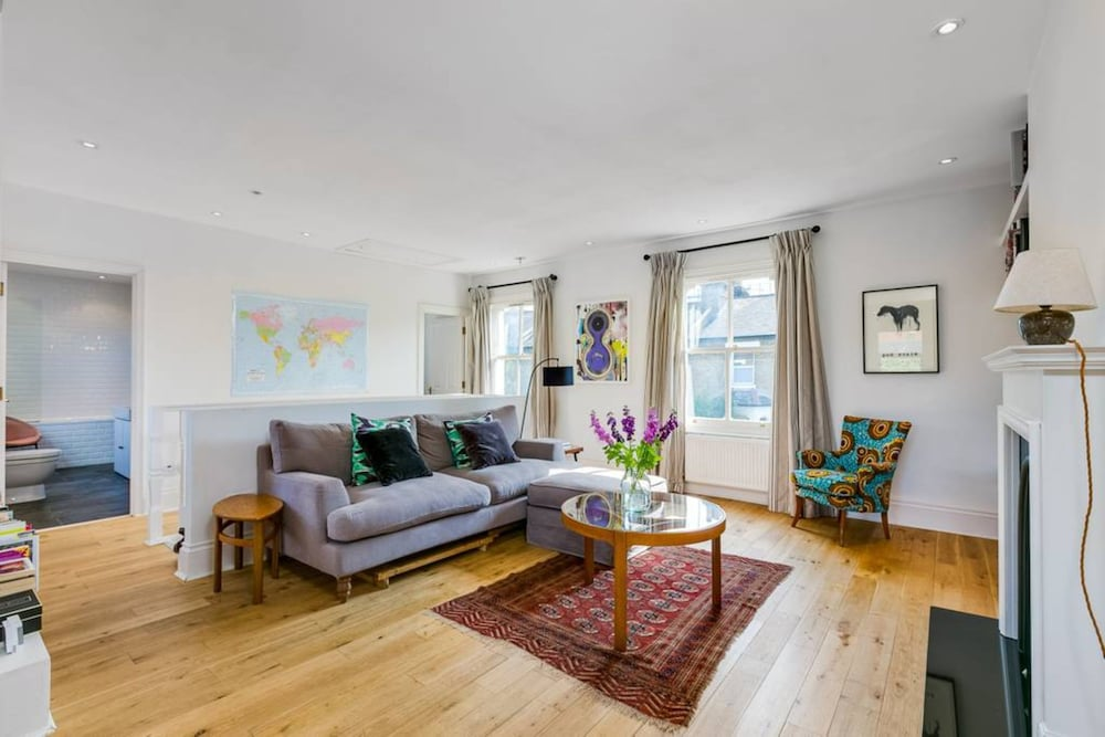 1 Bedroom West London Home