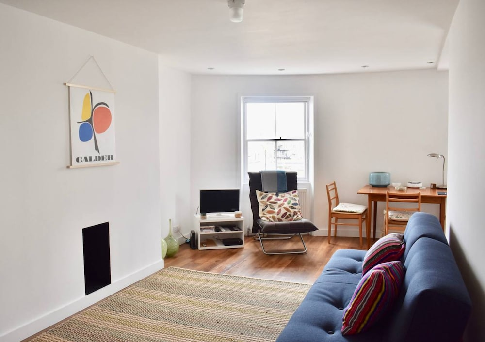 Trendy 1 Bedroom Flat in Brighton Near The Seafront
