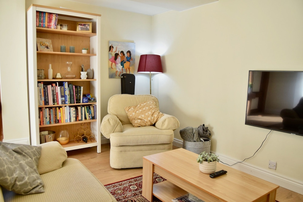 Spacious 3 Bedroom Family Home in Vauxhall