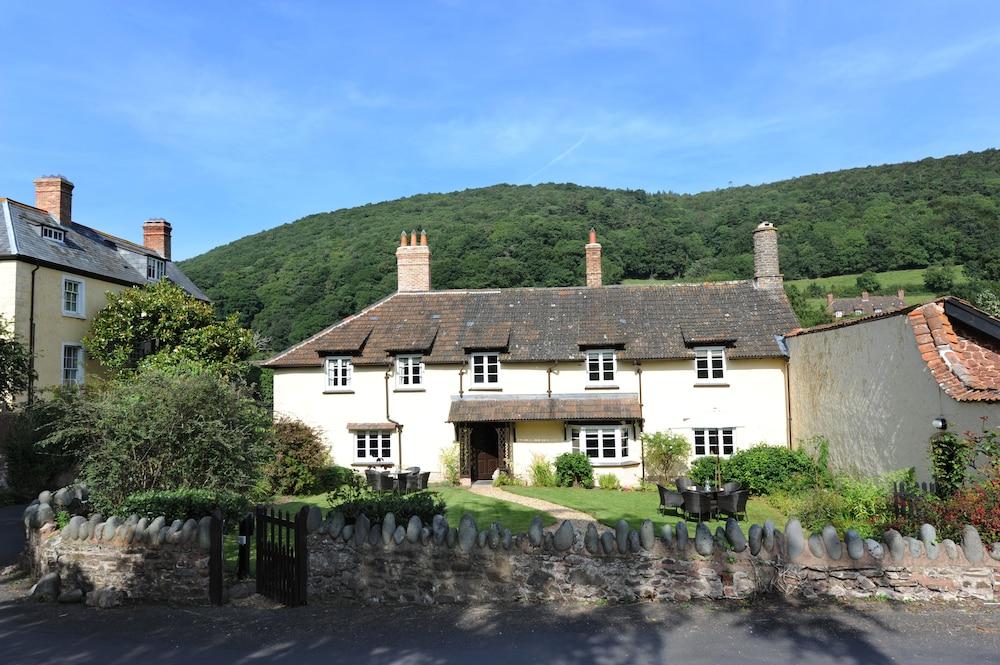 Cross Lane House