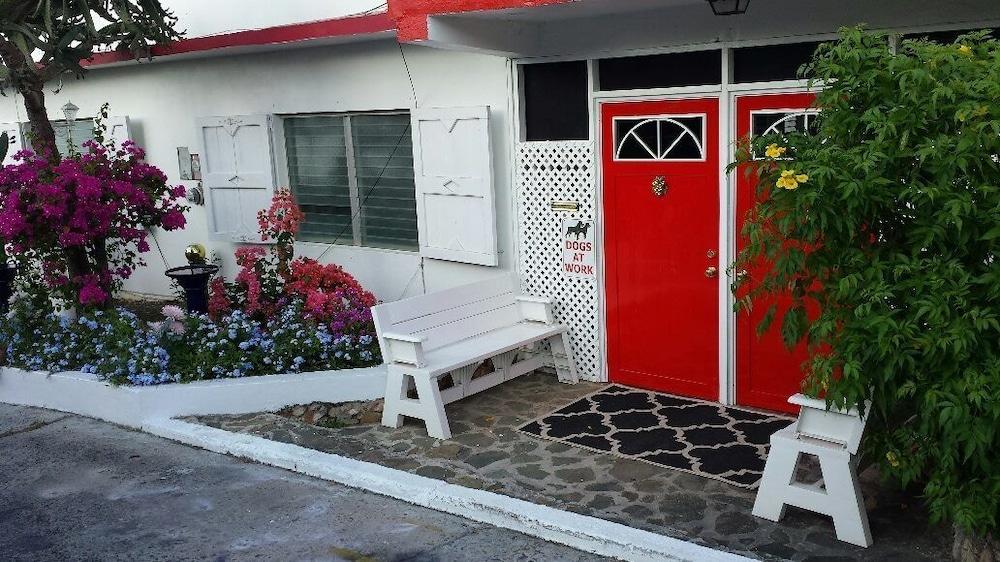 Hillcrest Guest House USVI