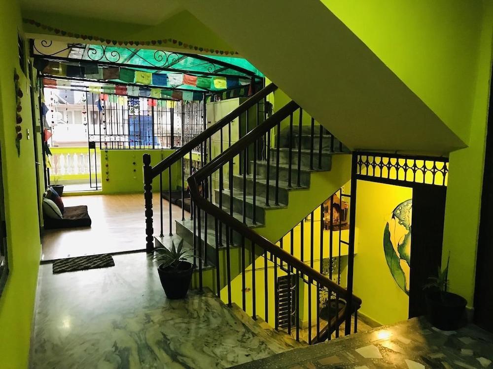Famous Traveller's Hub