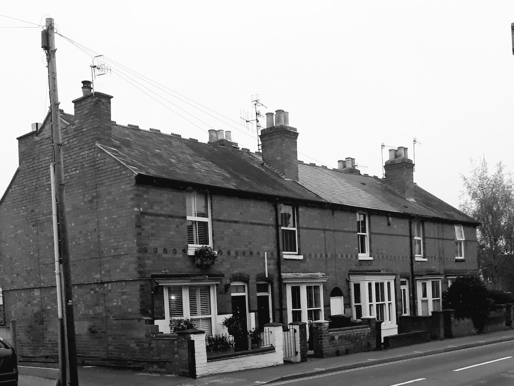 Edwards Cottage - Grove Road Cottages