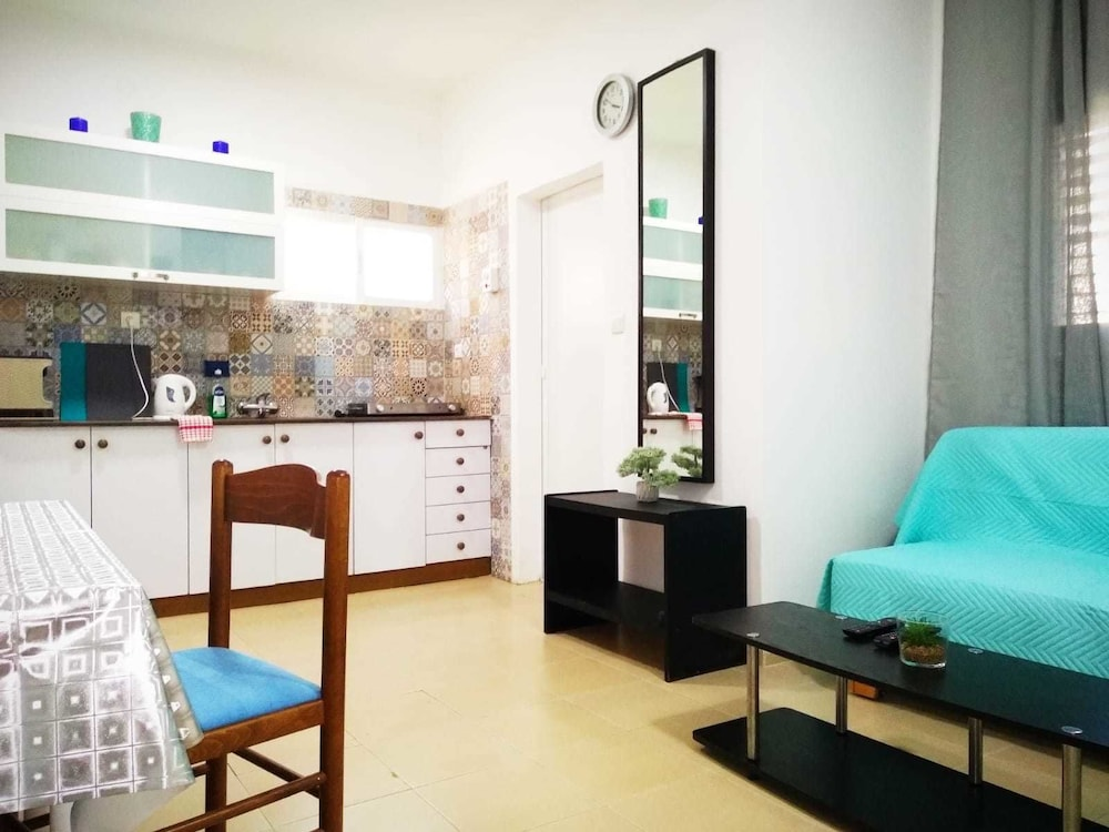 Luxury Apartment near the Rambam