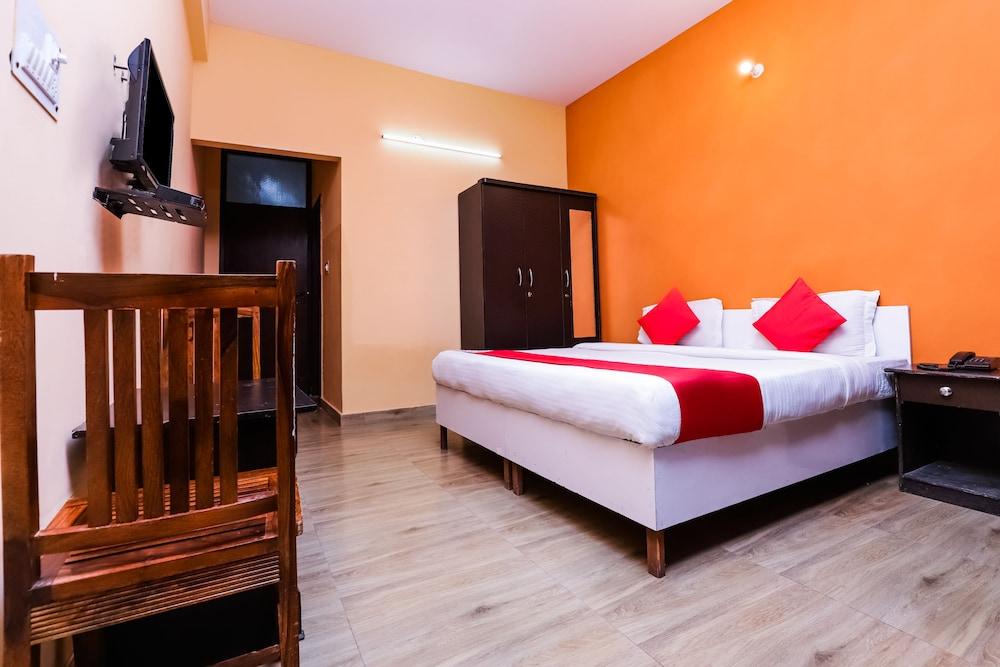 OYO 37194 Hotel Royal India