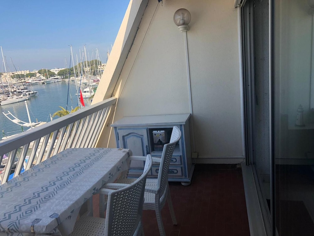 Studio in Le Grau-du-roi, With Wonderful sea View and Furnished Terrac