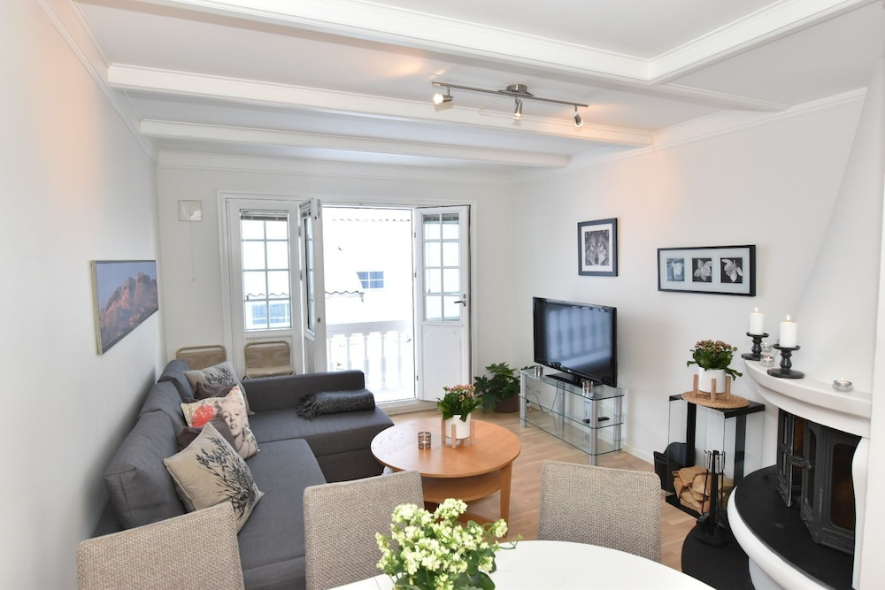 Private Luxury Duplex Apartment at Dr Holms Hotel