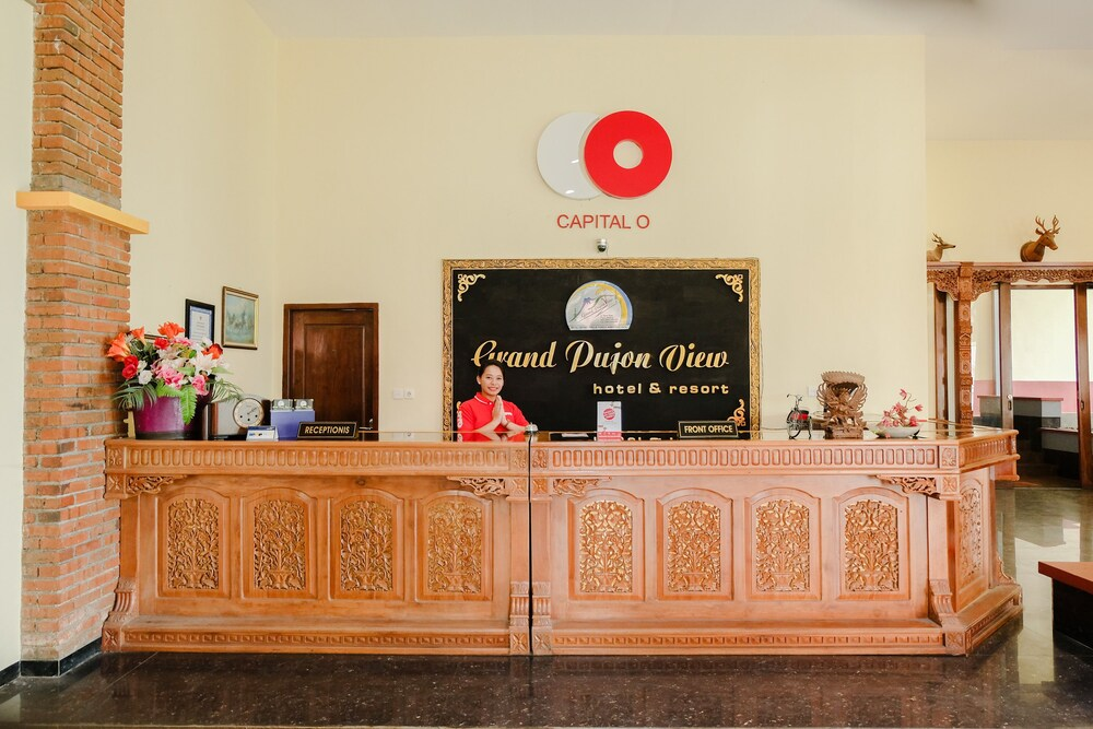 Capital O 892 Grand Pujon View Hotel And Resort Malang Price Address Reviews