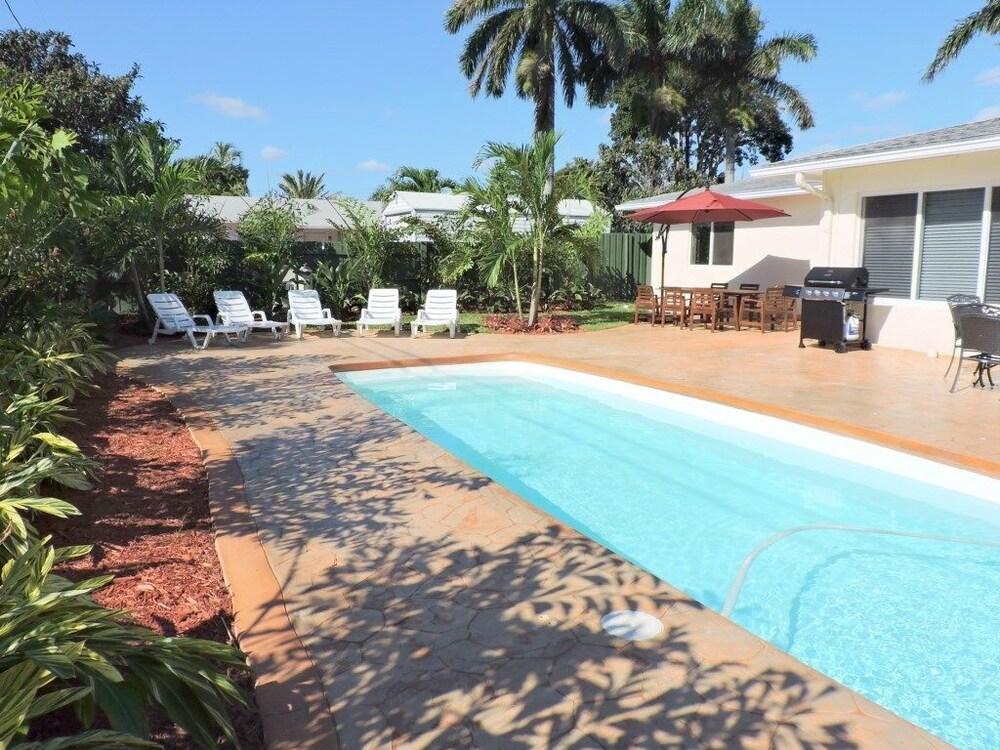 Casa Casino 4/3 For11 Heated Pool Beaches 1 M