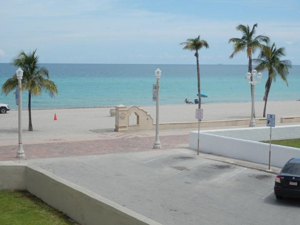 Oceanview Condo, 1/1 for 4, Large Patio